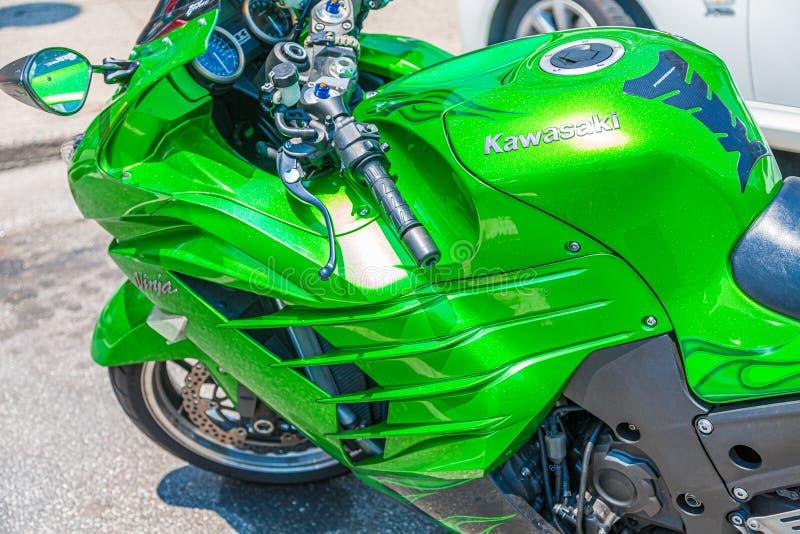 Gröna Kawasaki Cowl arkivbild