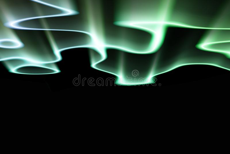 Gröna nordliga ljus mot svart tillbaka jordning arkivfoton