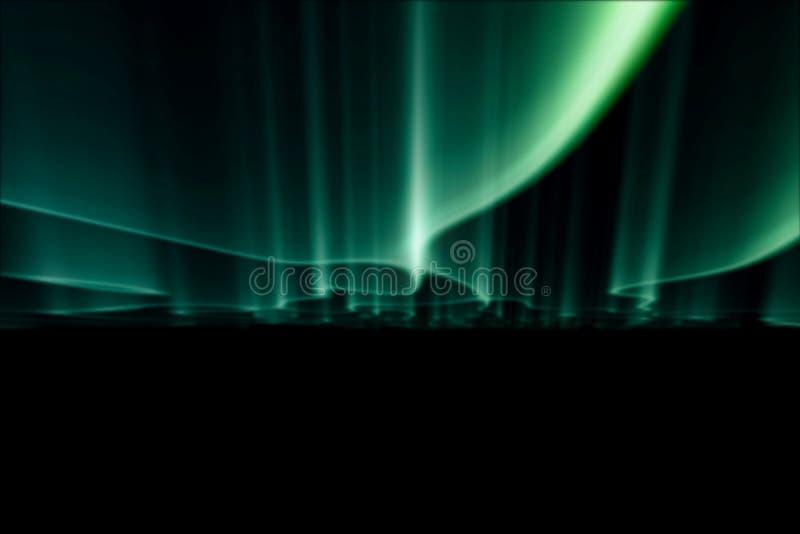 Gröna nordliga ljus mot svart tillbaka jordning royaltyfria bilder