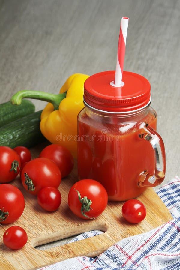 Grönsakblandningfruktsaft arkivbilder