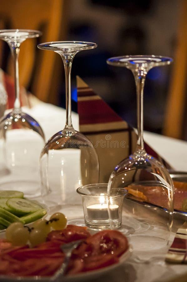 Grönsaker för glases för frunch för vin för Closeup för frukosttabell arkivfoto