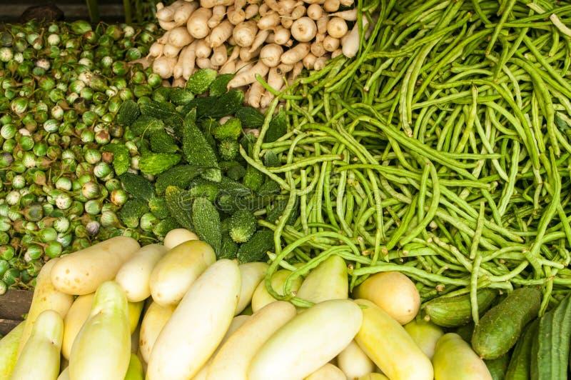 Grönsaker i marknaden arkivbild