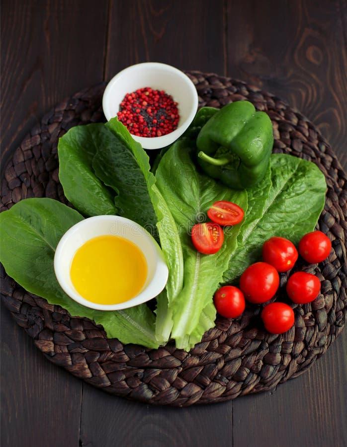 grönsaker med kryddor, sallad fotografering för bildbyråer