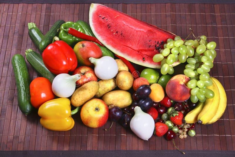 Grönsaker och frukter arkivbild