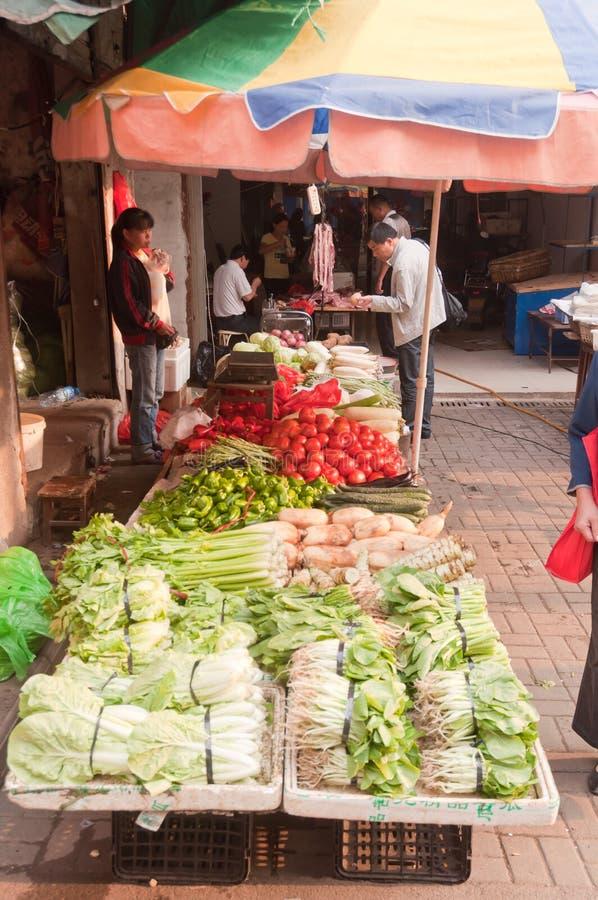 Download Grönsakmarknad på gatan redaktionell foto. Bild av bosöttt - 27277225