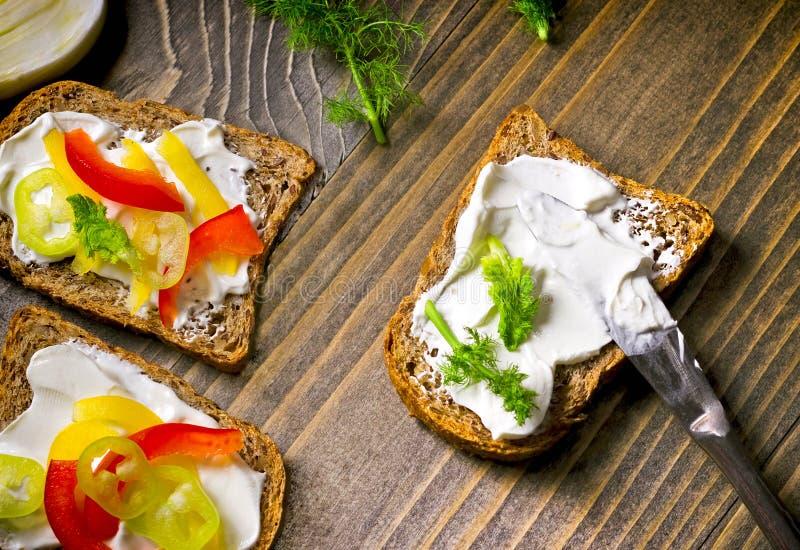 Grönsaksmörgås - smörgåsar med grönsaker fotografering för bildbyråer