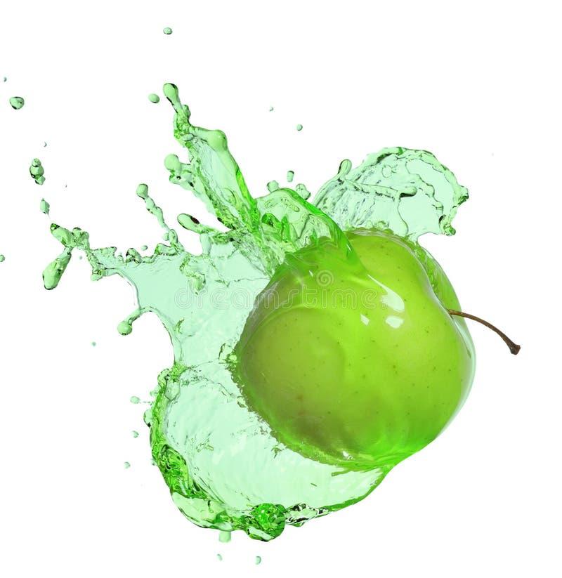 Grönt äpple i fruktsaftfärgstänkisolat på vit royaltyfri foto
