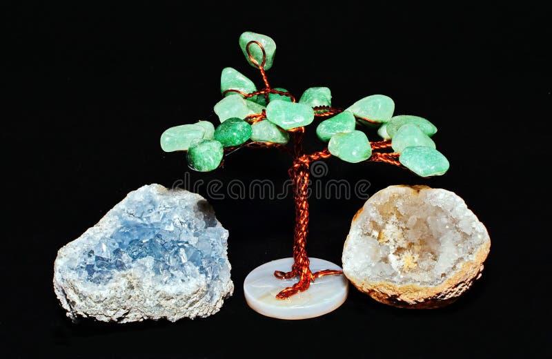 Grönt Crystal träd och kvarts royaltyfri bild
