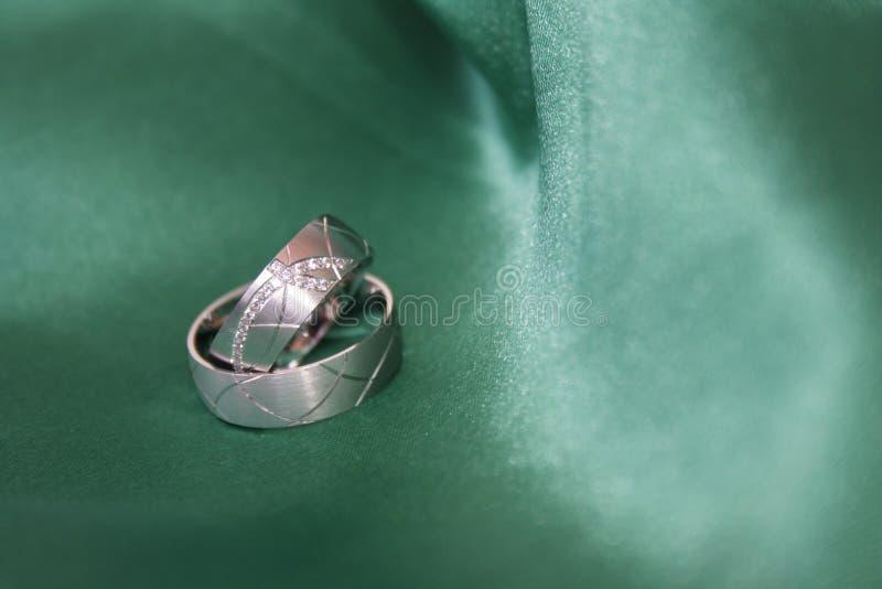 grönt gifta sig för cirklar royaltyfri fotografi