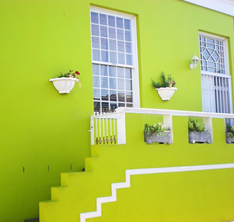 grönt hus royaltyfri fotografi