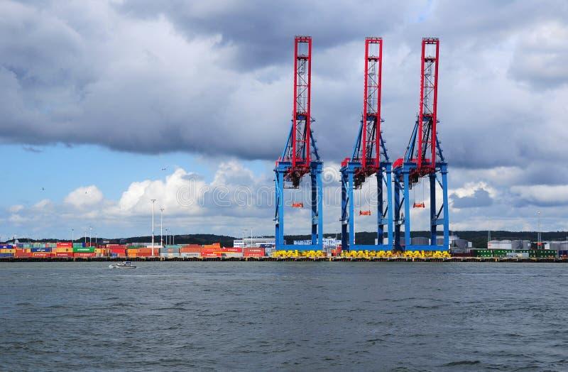 Grúas del cargo en el puerto de Goteburgo fotos de archivo libres de regalías