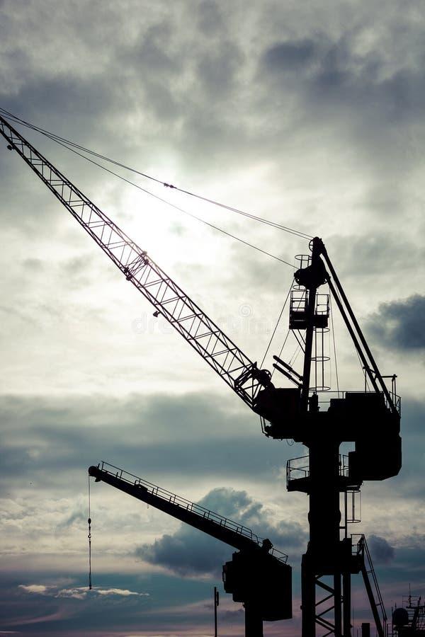 Grúas industriales en los astilleros de Gdansk imagen de archivo libre de regalías
