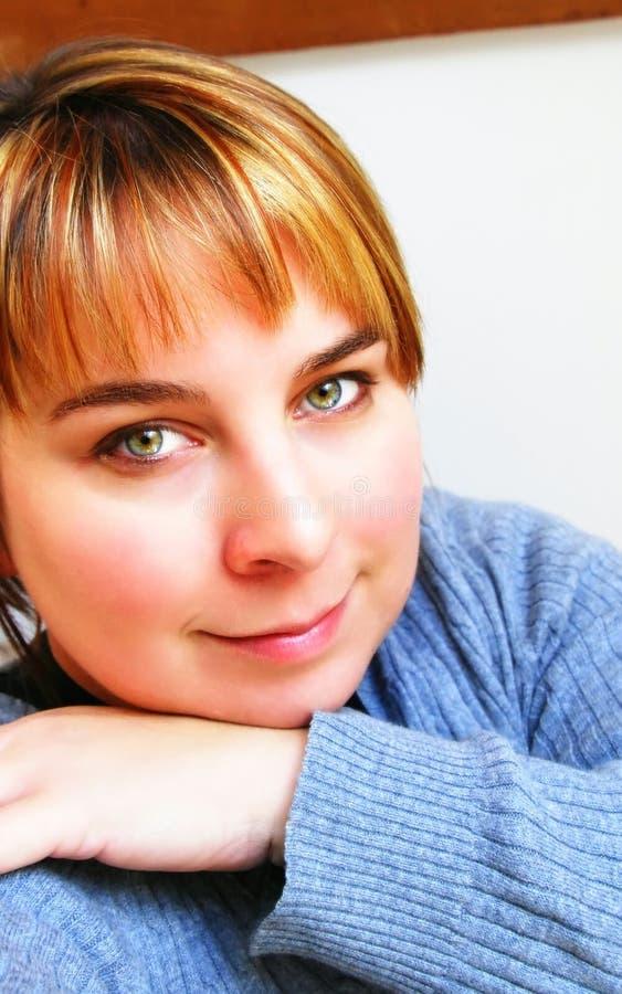 Download Grüne Augen stockfoto. Bild von glücklich, augen, strickjacke - 9096554