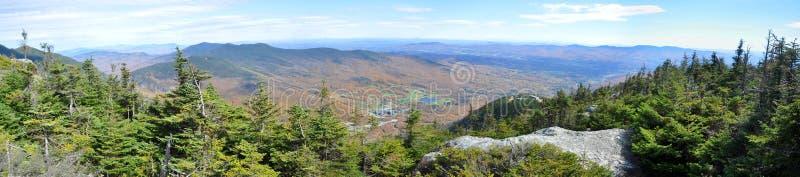 Grüne Berge von der Spitze des Bergs Mansfield, Vermont stockfotografie