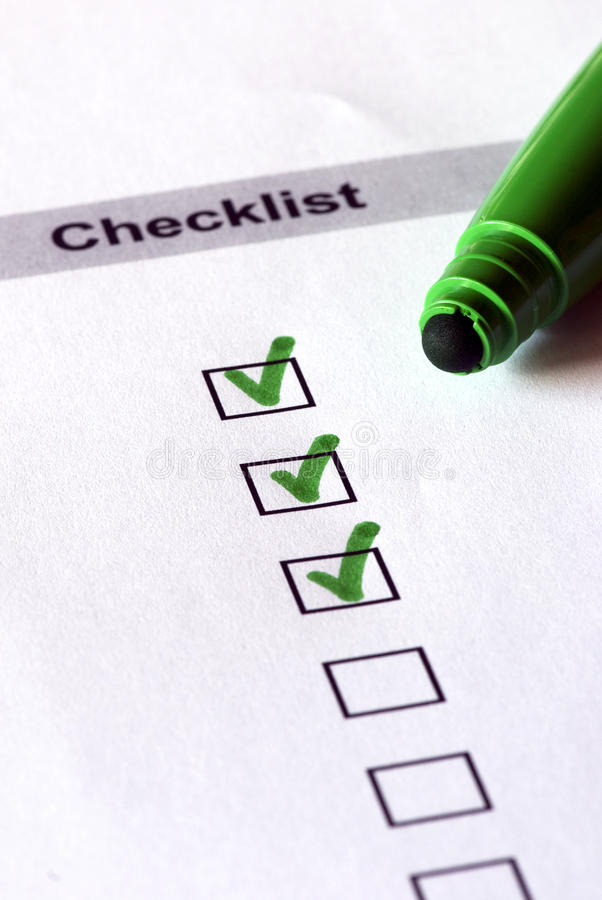 Grüne Checkliste lizenzfreie stockfotografie