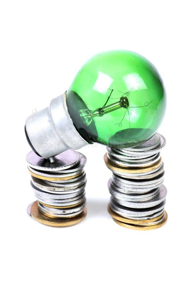 Grüne Energie und Einsparungen lizenzfreie stockfotografie