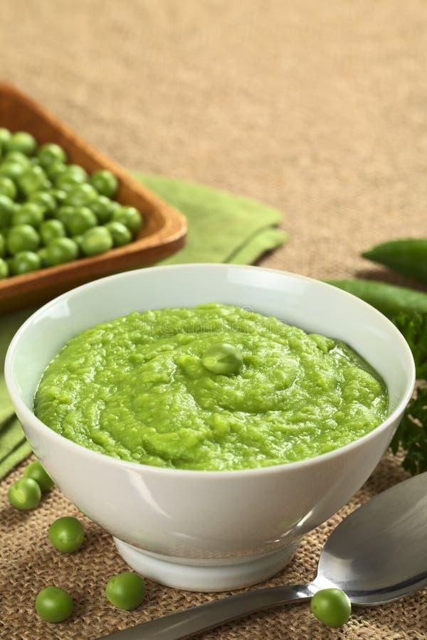 Grüne Erbsen-Suppe stockbild
