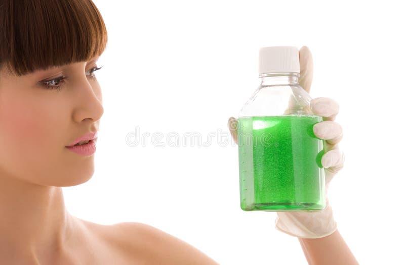 Grüne Flüssigkeit lizenzfreies stockbild
