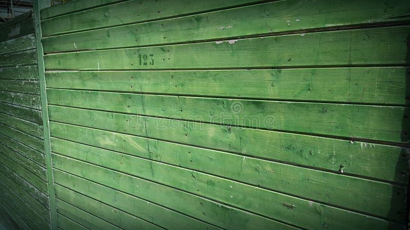 Grüne hölzerne Wand lizenzfreie stockfotografie