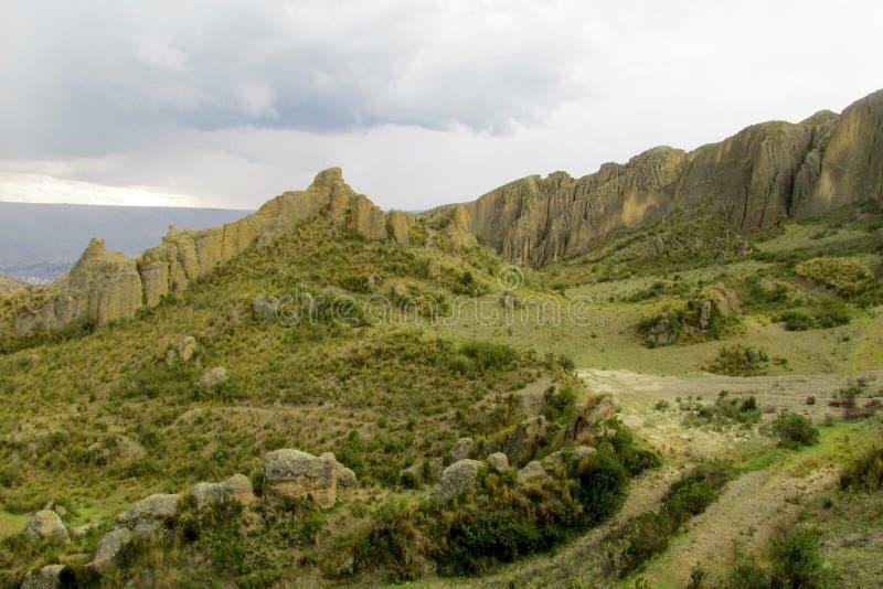 Grüne Hügel Valle de Las Animas nahe La Paz stockfotos