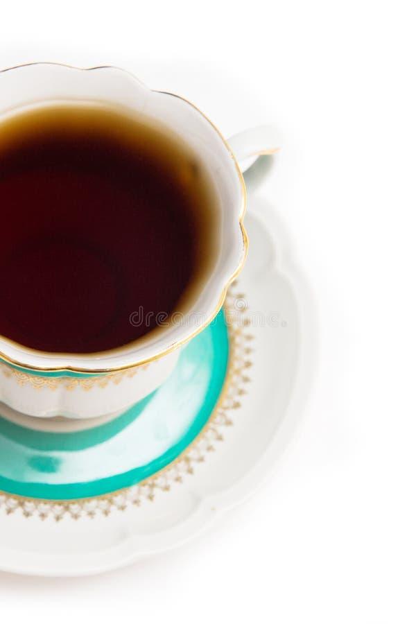 Grüne indische Tasse Tee auf weißem Hintergrund Lokalisiert auf Weiß stockfoto