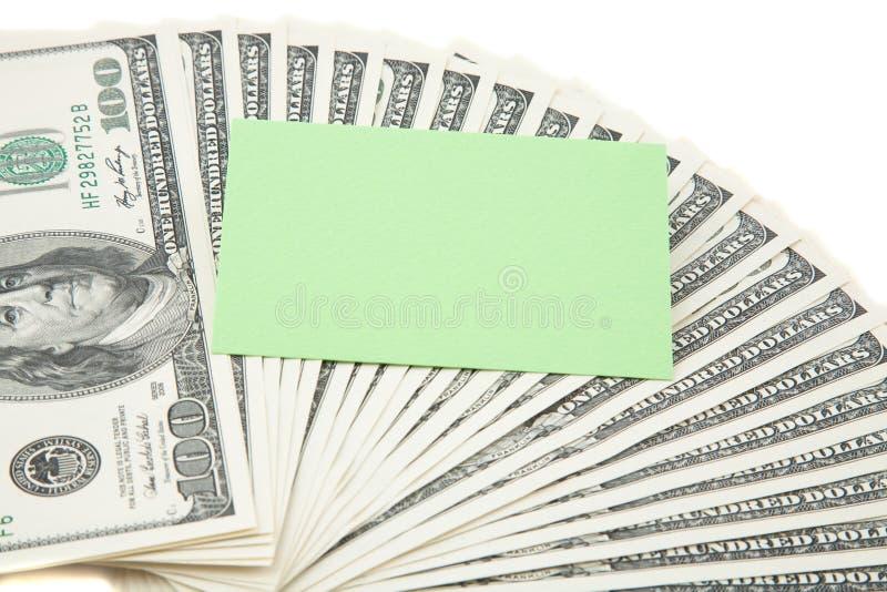 Grüne leere Karte auf einer Verbreitung des Bargeldes stockfotografie