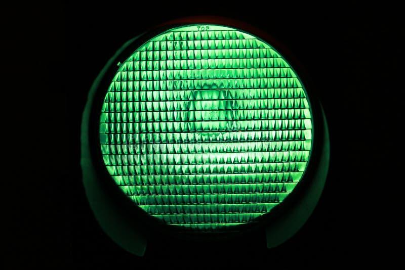 Grüne Leuchte lizenzfreie stockbilder