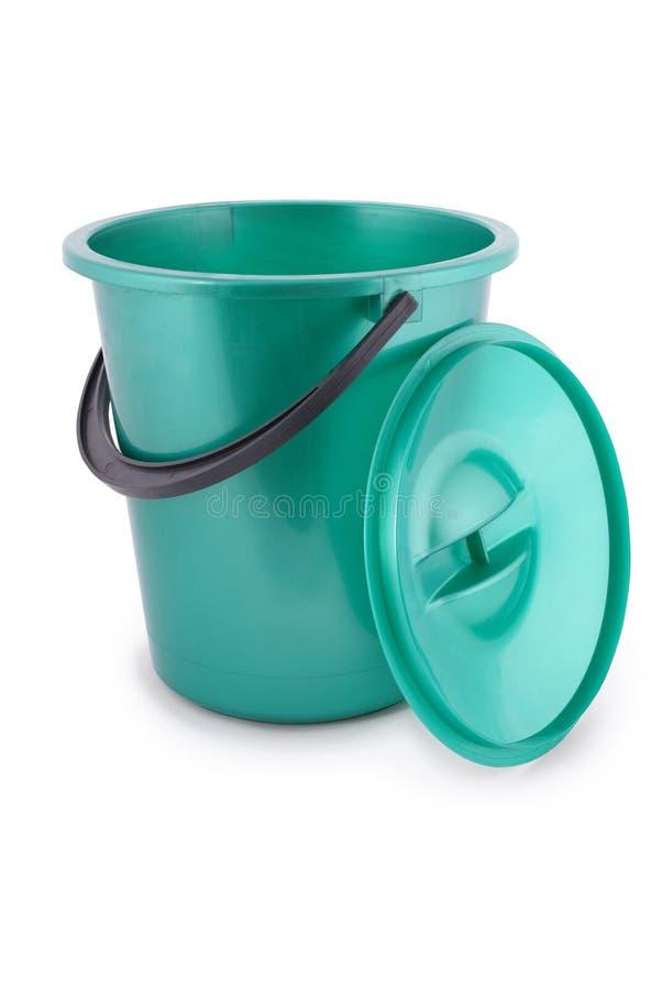 Grüne Plastikwanne lizenzfreie stockbilder