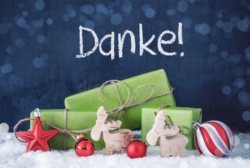 Grüne Weihnachtsgeschenke, Schnee, Danke-Durchschnitte danken Ihnen stockbild