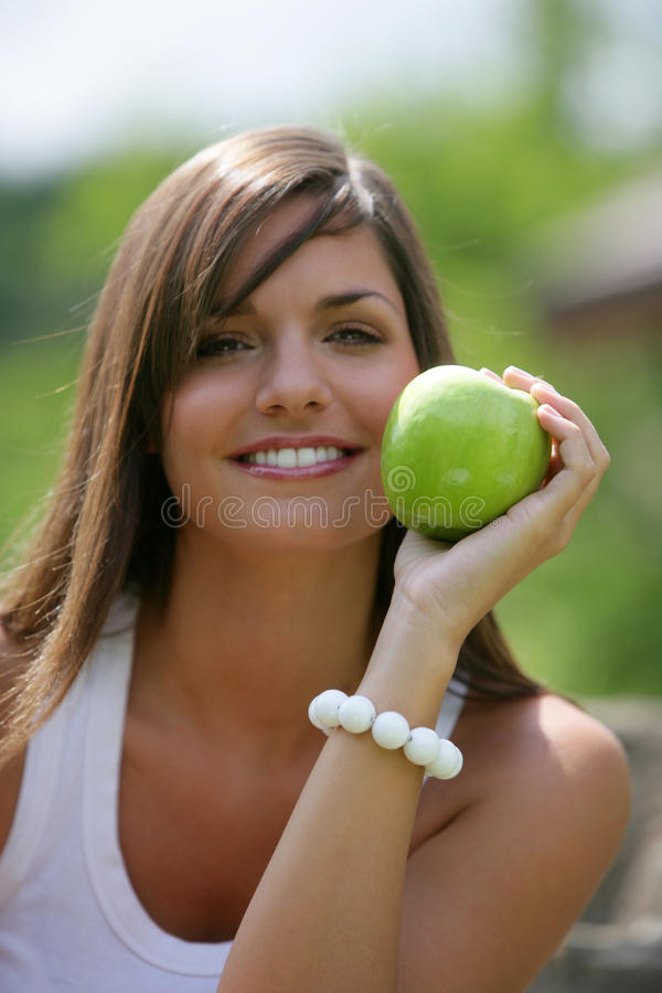 Grüner Apfel jugendlich Essens stockfotos