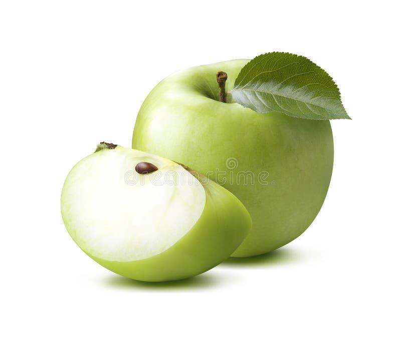 Grüner Apfel und Viertel lokalisiert auf weißem Hintergrund lizenzfreie stockfotografie