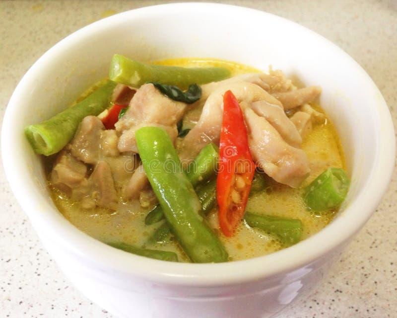 Grüner Curry des Huhns lizenzfreie stockfotos
