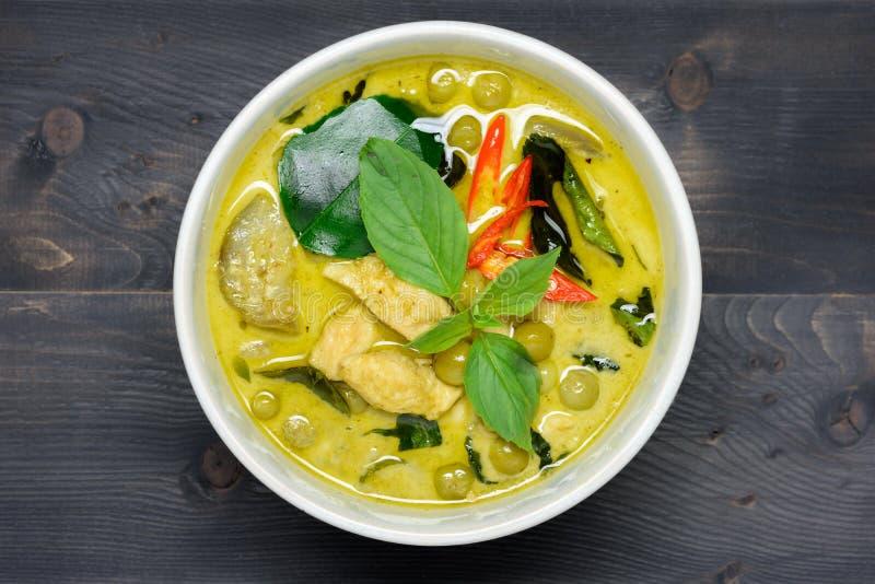 Grüner Curry mit Huhn stockbild
