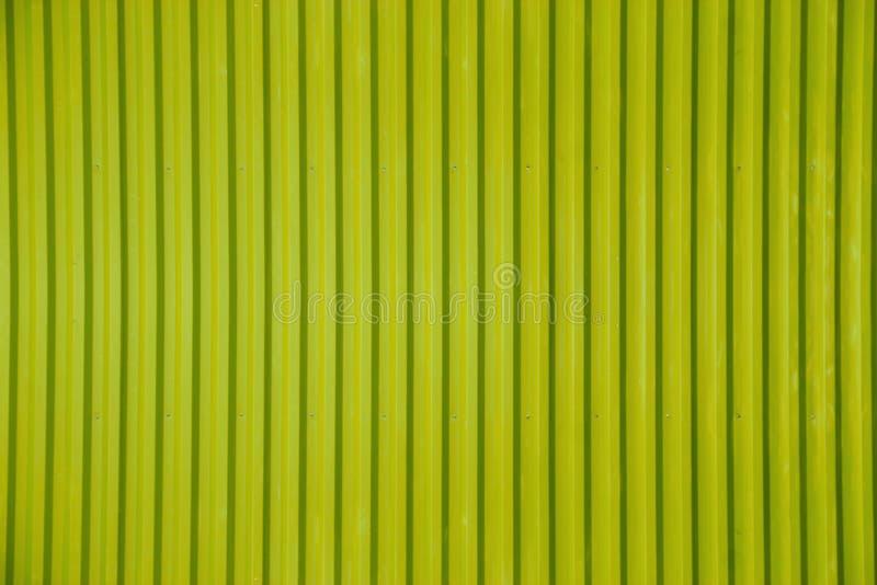 Grüner gewölbter Blechtafelbeschaffenheitshintergrund stockbild