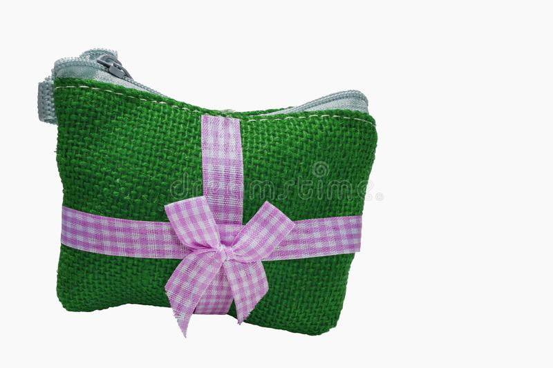 Grüner Münzbeutel hergestellt von der Baumwolle lizenzfreie stockfotografie