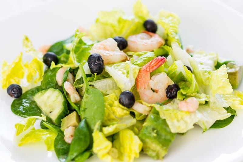 Salat mit garnelen diat