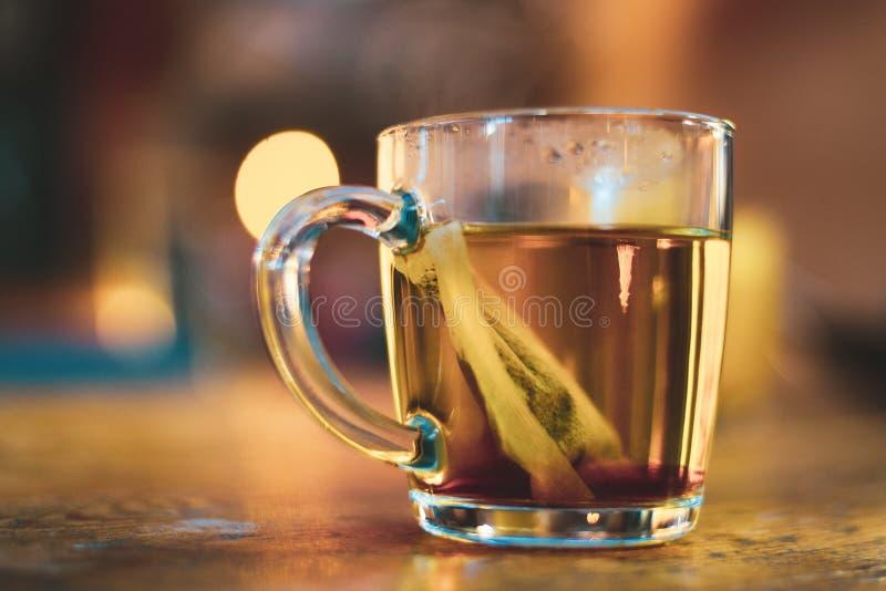 Grüner Tee in einem Cup lizenzfreies stockbild