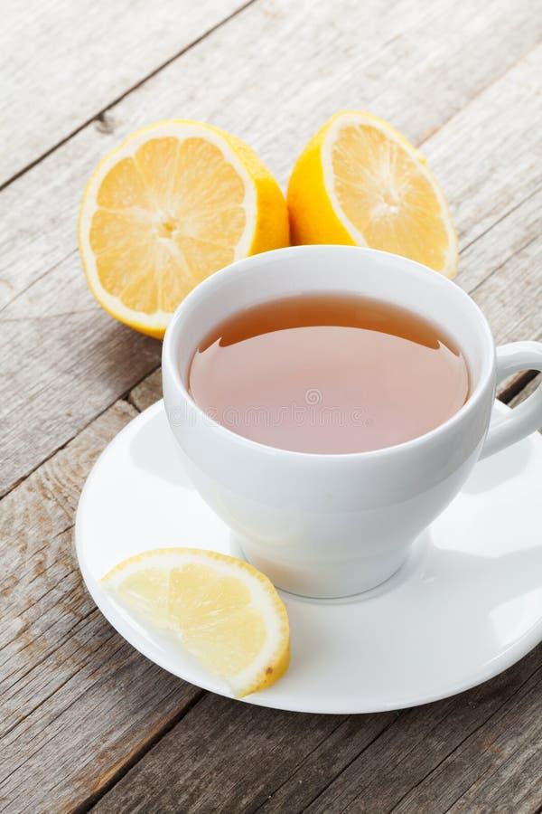 Grüner Tee mit Zitrone lizenzfreie stockfotos