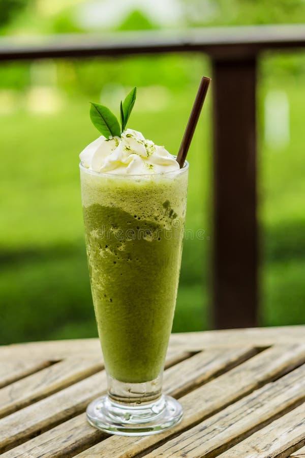Grüner Tee Smoothies lizenzfreies stockfoto