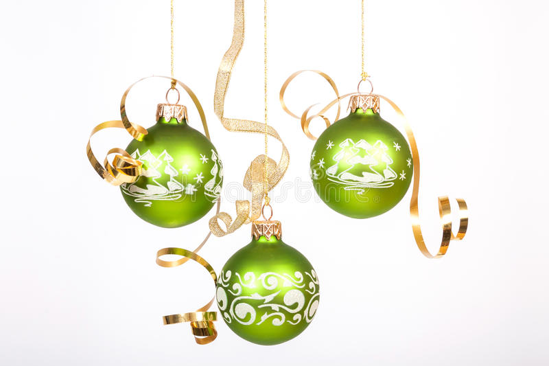 Grüner Weihnachtsball stockfotografie