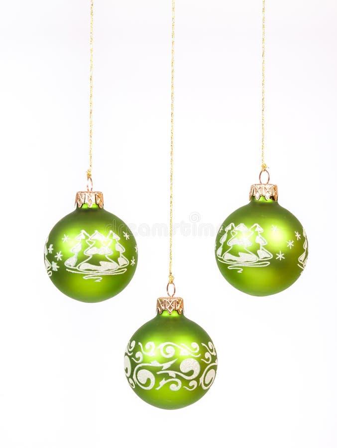 Grüner Weihnachtsball stockfoto