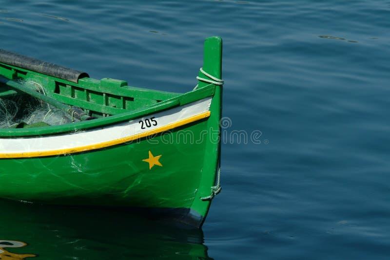 Grünes Boot lizenzfreies stockfoto