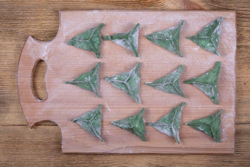 Grünes dim sum, chinesisches Lebensmittel Köstliche selbst gemachte Mehlklöße mit Rindfleischfleisch oder Kartoffelpürees oder Hü lizenzfreie stockbilder
