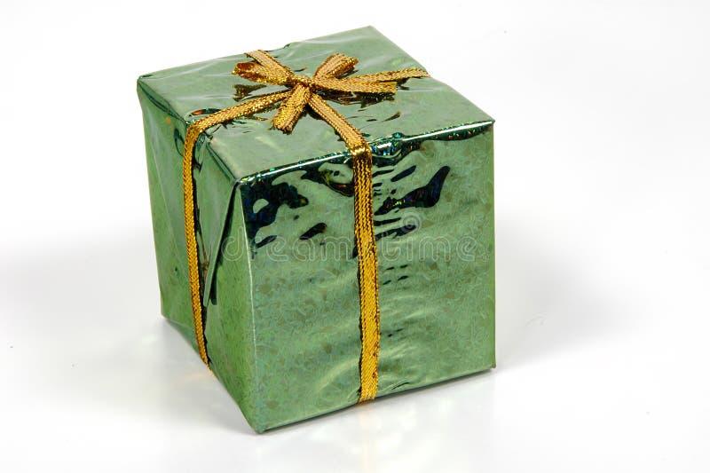 Download Grünes Giftbox stockfoto. Bild von verpackung, geschenk - 35330