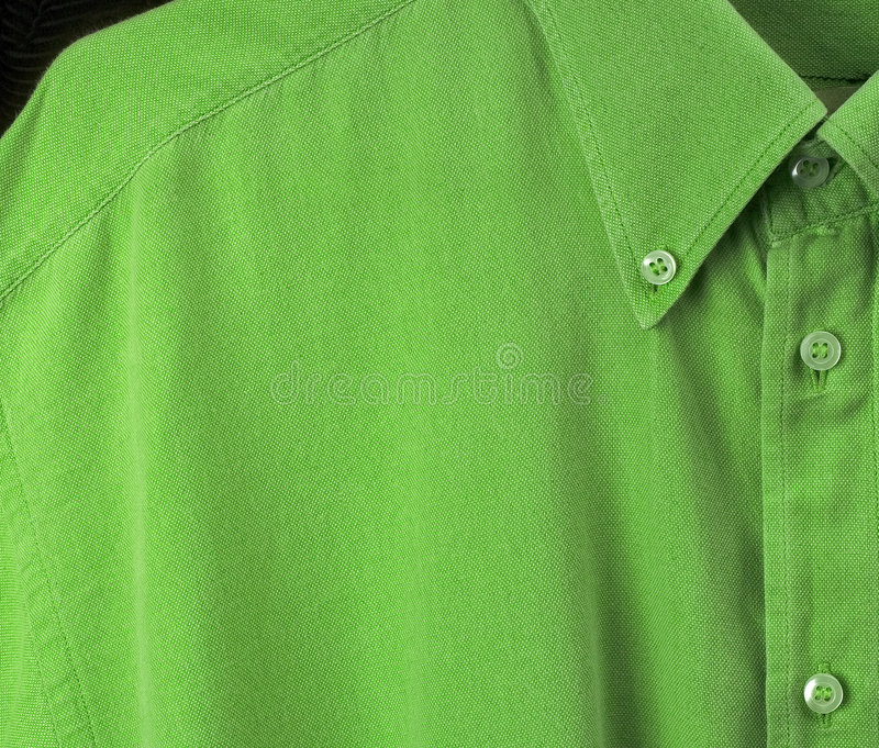 Grünes Hemd lizenzfreies stockfoto