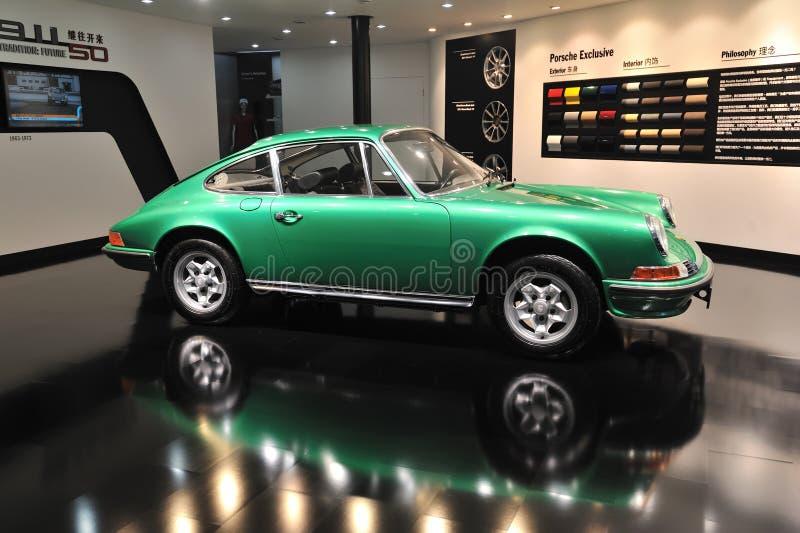 Grünes Porsche 901 stockbilder