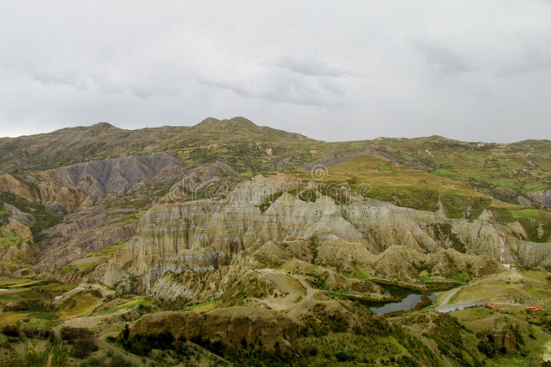 Grünes Tal nahe La Paz in Bolivien stockfotos