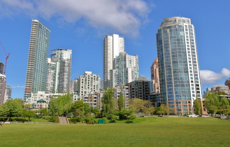 Grünfläche und Vancouver Real Estate lizenzfreie stockbilder