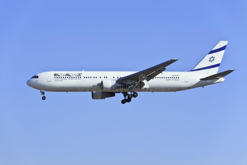 Gr Al Israel Airlines die 4x-EAJ, Boeing 767-330ER in Peking, China landen stock afbeeldingen