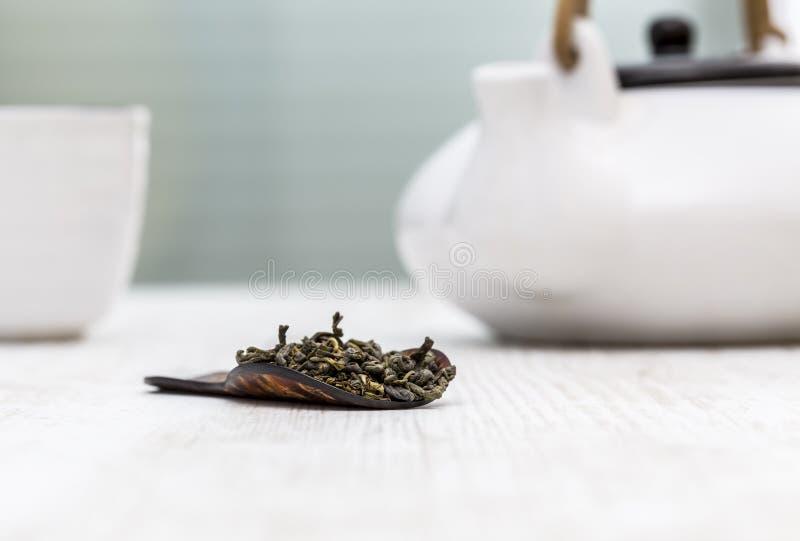gr?n f?r livstid tea fortfarande arkivfoto